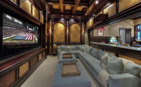 million  square foot mansion  paradise