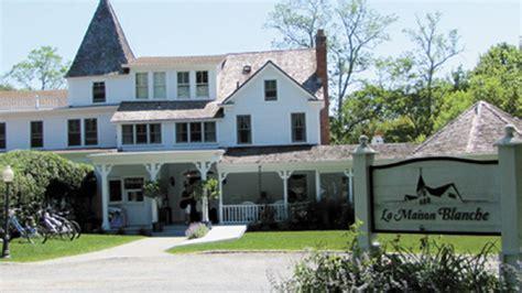 la maison blanche building for sale shelter island reporter