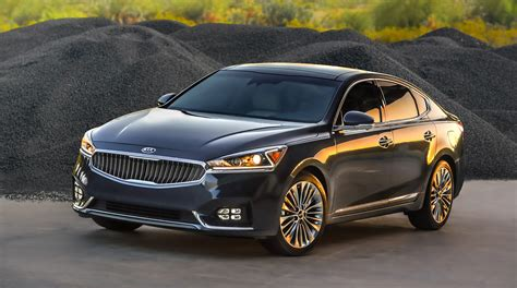 KIA Car : All-new 2017 Kia Cadenza Takes The Stage At The New York