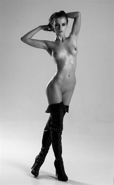 Marta Gromova Naked Thefappening