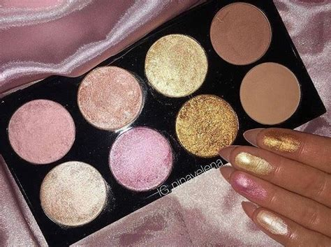 heart makeup revolution golden sugar  rose gold blush highlighter palette  makeup
