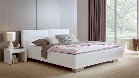 Betten In Weiß by Polsterbett Shade Lederbett Mit Beigem Kunstleder Bezug