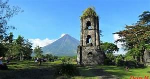 Wanderer, Girl, Cagsawa, Ruins, In, Legaspi, City