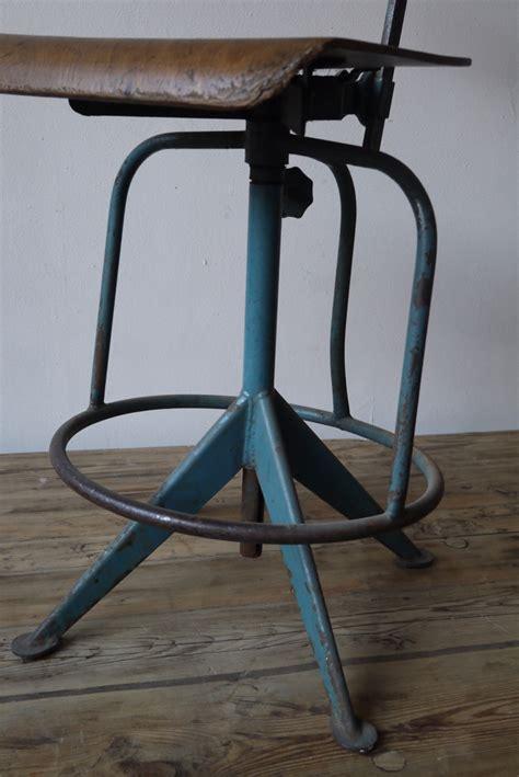 chaise haute atelier industrielle jean prouve