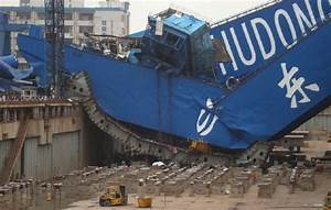 Jumbo Crane Collapse - Incident Photo Of The Week – gCaptain