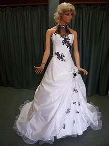Robe De Mariée Noire : robe de mari e blanche et noir ~ Dallasstarsshop.com Idées de Décoration