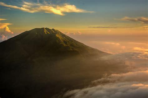 gunung  indonesia  sunrise terindah alidesta