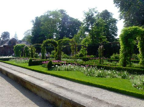 Paris Secrète: Le Bois de Boulogne : Bagatelle Park