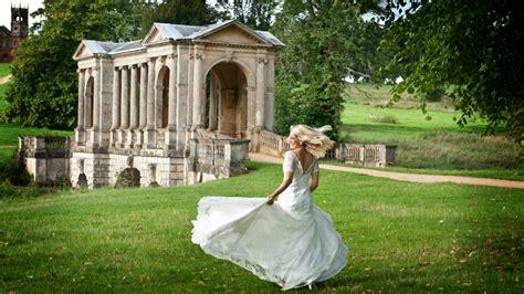 outdoor venues  london  weddings