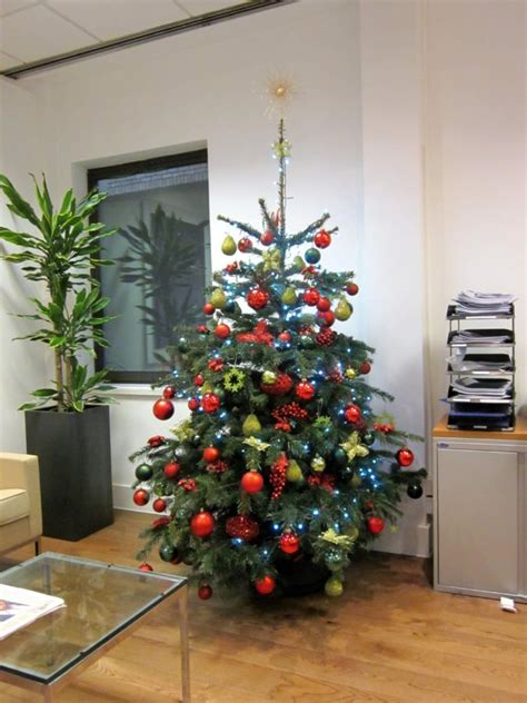 corporate christmas tree red green  gold decorations