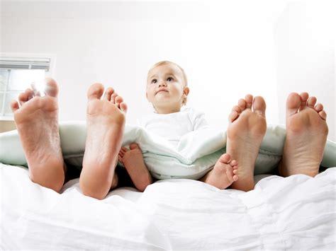 separation chambre parents bebe a quel moment bébé doit il quitter la chambre des parents