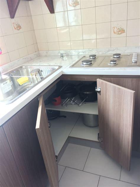 soluciones  esquinas de cocina  puertas  bisagras de  grados cocinas esquina