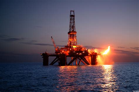 Baker Hughes (bhi) Reports Steady Oil Rig Count; Is The