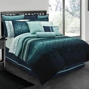 Couvre Lit Bleu Canard : 1001 id es pour une chambre bleu canard p trole et paon sublime ~ Teatrodelosmanantiales.com Idées de Décoration