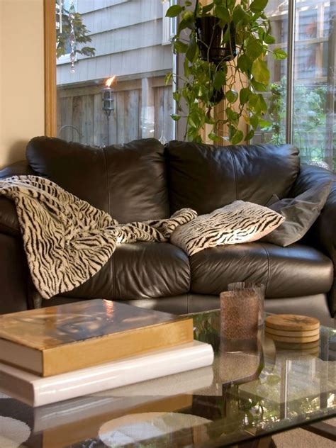 leather sofa stain   clean leather sofa  vinegar