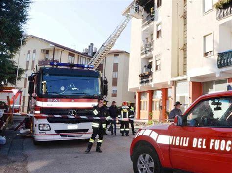 casa materasso firenze s incendia un materasso in una casa illeso l inquilino