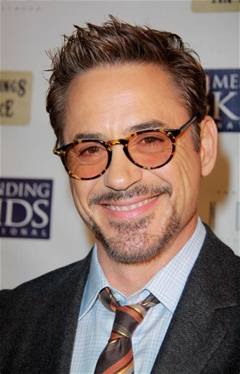Sizzling Hot Hairstyles for Older Men Robert Downey Jr