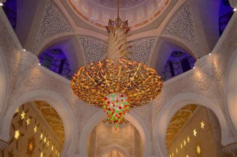 swarovski chandelier picture of sheikh zayed