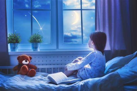 late bedtimes light  night  turn  kid