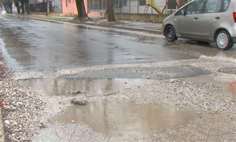Shumë rrugë dytësore në rajonin e Tetovës janë në gjendje të mjerueshme - Alsat