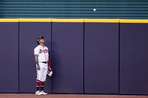 Braves' 1st playoff loss a doozy, 15-3 to LA in NLCS Game ...