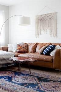 Weißes Kuhfell Teppich : was passt zu braunem sofa wei e wand teppich holztisch interior pinterest braunes sofa ~ Sanjose-hotels-ca.com Haus und Dekorationen