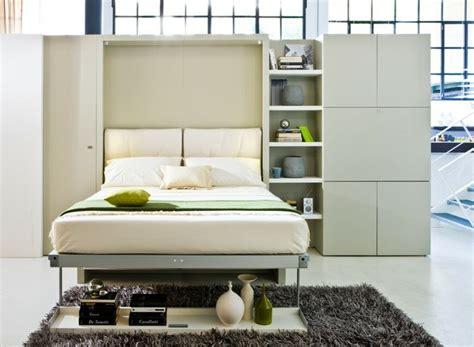 Minimalistische Einrichtung Des Kinderzimmerskinderzimmer Mit Schrankbett by Einrichtungsideen F 252 R Schlafzimmer Wohwand Idee Klappbett