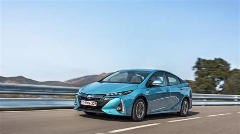 plug  hybrid vehicle toyota motor europe