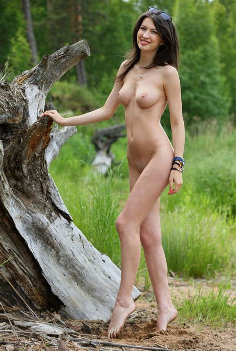 Showing Porn Images For Tall Brunette Porn Handy