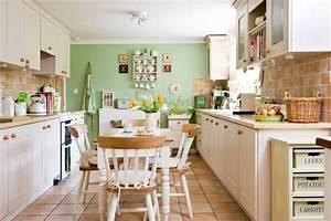 Küche Streichen Ideen : steinfliesen und gr ne wandfarbe ~ Markanthonyermac.com Haus und Dekorationen
