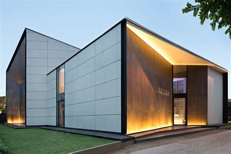 Arzuria Gallery