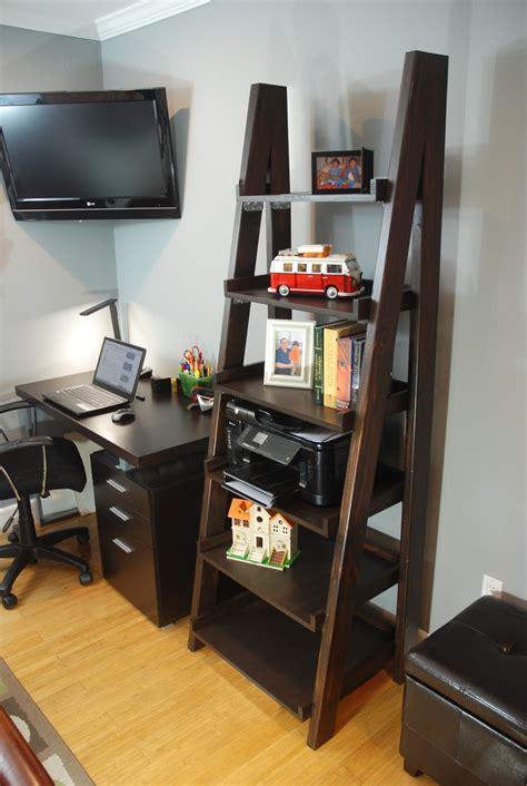 Regal Diy by Diy Ladder Shelf Diy Done Right