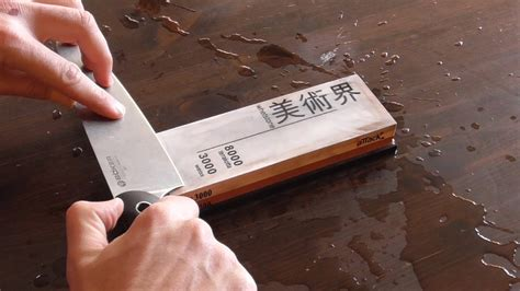 sharpen  kitchen  chefs knife   sharpening stone  whetstone   razor edge