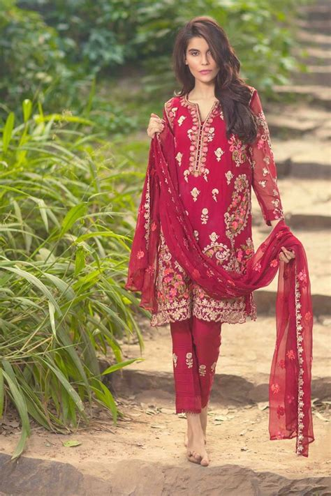 women clothing collection for new year 2016 2017 thankar mina hasan winter new year dresses 2016 by shariq textile
