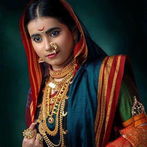 traditional costume maharashtra india maharashtrian