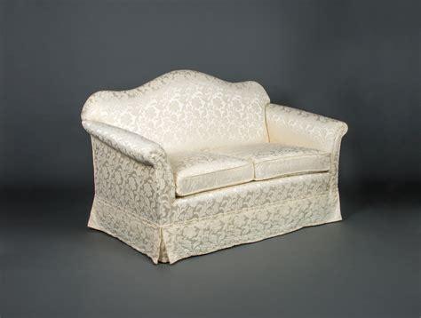 canape creme canapé en satin crème soubrier louer sièges canapé
