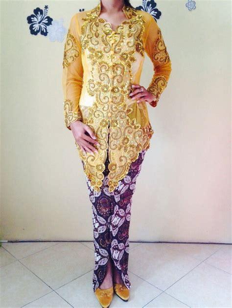 kebaya pengantin modern warna gold emas  rok batik