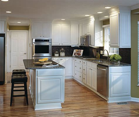 thermal foil kitchen cabinets thermofoil kitchen cabinets aristokraft cabinetry