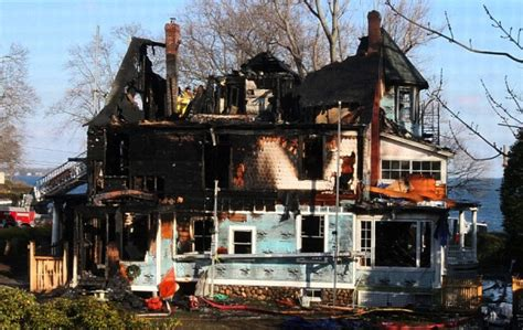 Fireplace Stamford Ct by Fire Destroys Victorian Mansion Kills 5 On Christmas