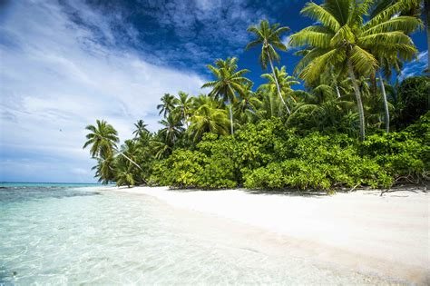 the tropical island nation of tuvalu receives the least international tourists