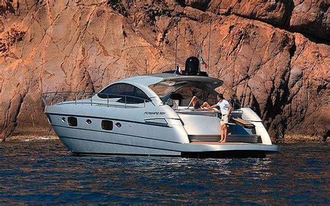 Luxury Boats by Luxury Boats On