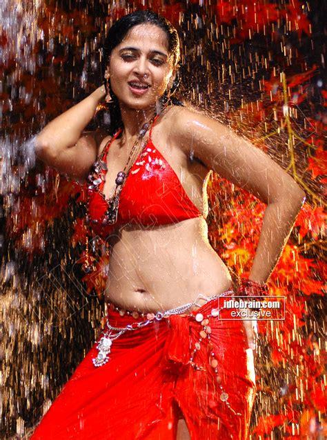 Kollywood Mirchi Anushka Shetty Red Hot Wet Navel Show