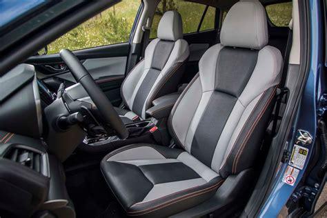 subaru crosstrek interior 2018 subaru crosstrek front interior seats motor trend