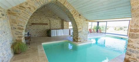chambre d hotes piscine interieure les caselles chambres table d 39 hôtes gite piscine millau