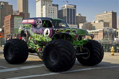popular monster trucks page    carophile
