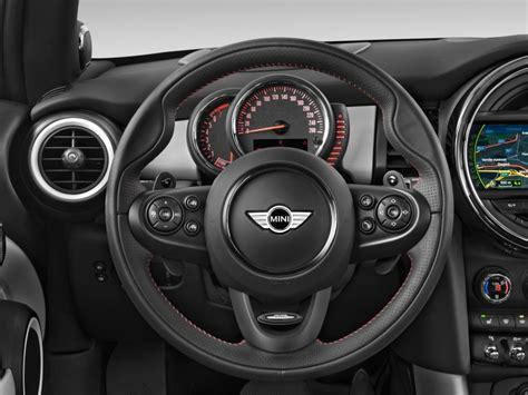 image  mini cooper  door hb  steering wheel size