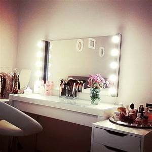 Spiegel Mit Lampe : schminktisch mit spiegel und beleuchtung haus dekoration ~ Eleganceandgraceweddings.com Haus und Dekorationen