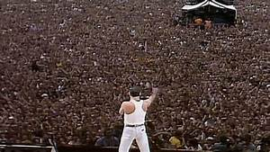 Watch the Speed of Sound Ripple Through Queen Fans at Live ...