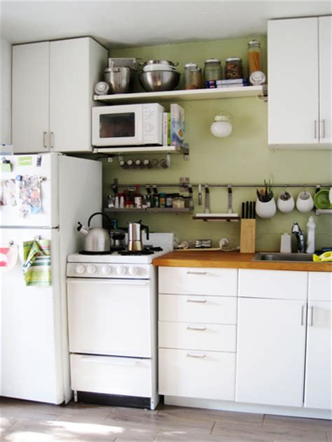 small kitchen organizing ideas smart ways to organize a small kitchen 10 clever tips