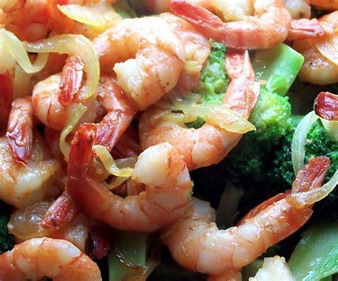 cuisiner crevette vientiana lao cuisine sauté de crevettes au brocolis